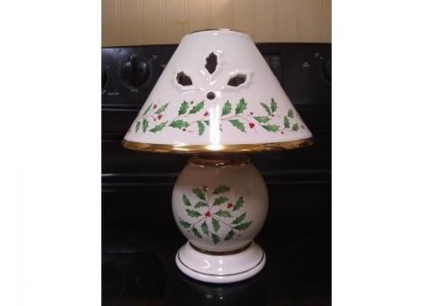 Pretty glass tea light lamp